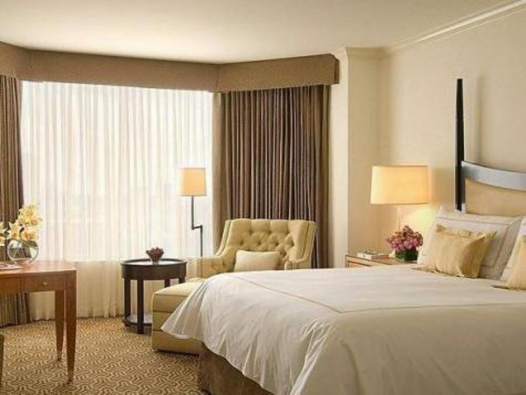 City View Room with one queen bed - Habitació Four Seasons Hotel Houston