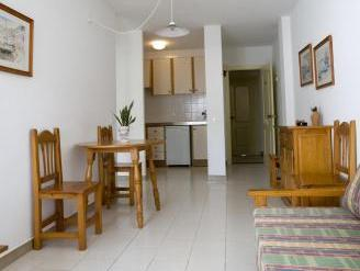 Apartamento de 1 Quarto (3 Adultos + 1 Criança) (One-Bedroom Apartment (3 Adults + 1 Child))