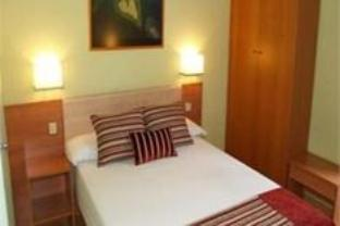 Double Room, Shared Bathroom (with extra bed)