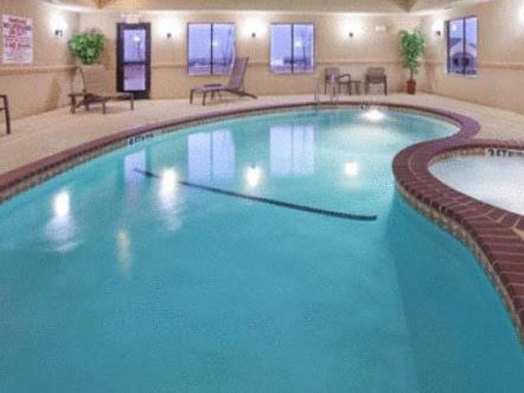Holiday inn express hotel suites denton in denton tx - Denton swimming pool denton manchester ...