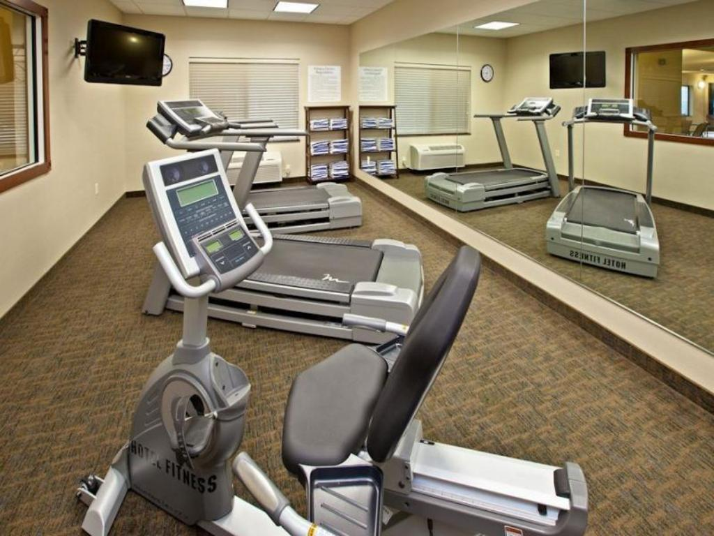 Fitness center Holiday Inn Express & Suites Ripley