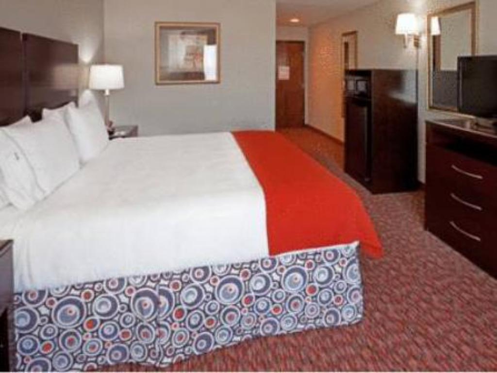 Holiday Inn Express Hotel And Suites Stephenville In Stephenville Tx Room Deals Photos