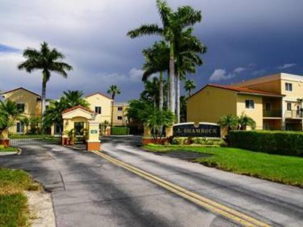 Shamrock Rentals Of South Florida Kendall Apartment Miami Fl