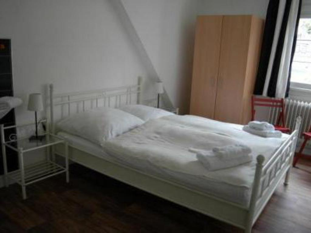 Standard Room - Bed Hotel Garni Hof van Holland