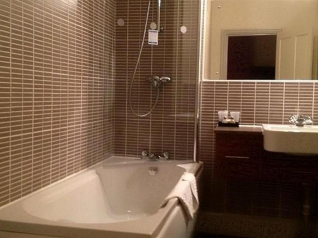 Bagno Greyhound Hotel