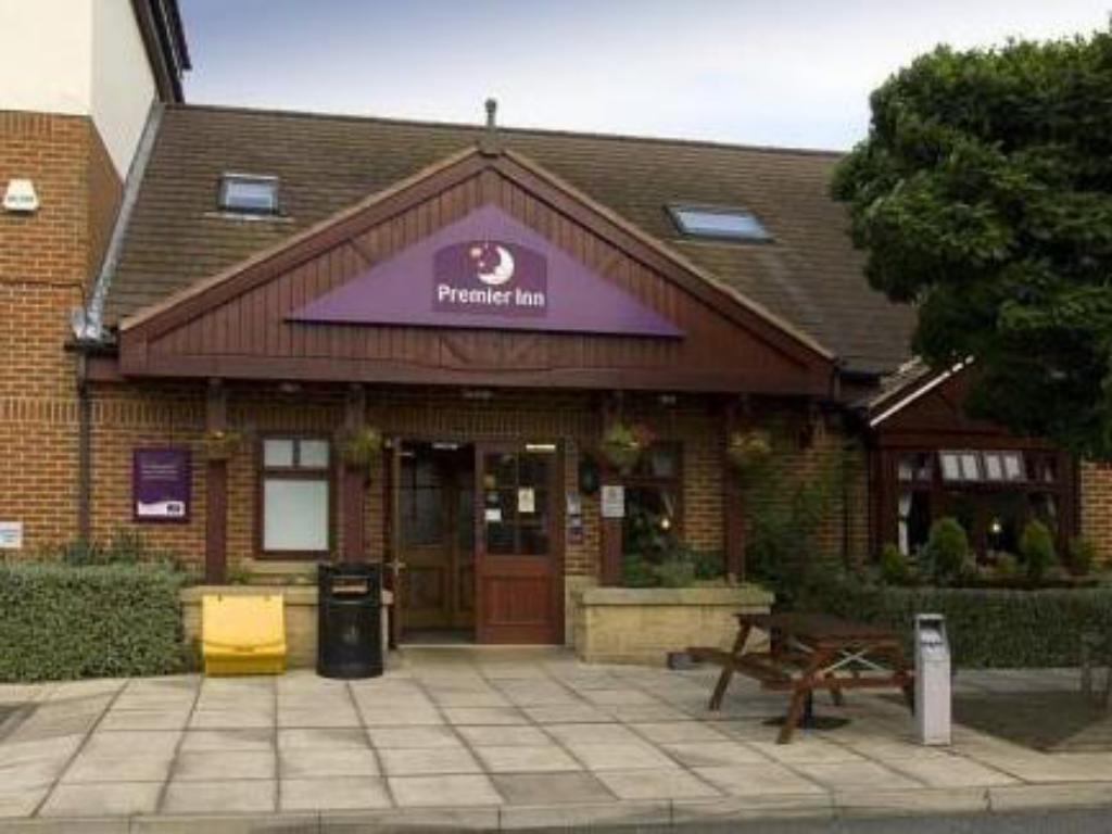 More about Premier Inn Castleford M62 JCT 31