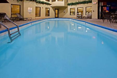 Swimming pool Holiday Inn Express Hotel & Suites Indianapolis - East