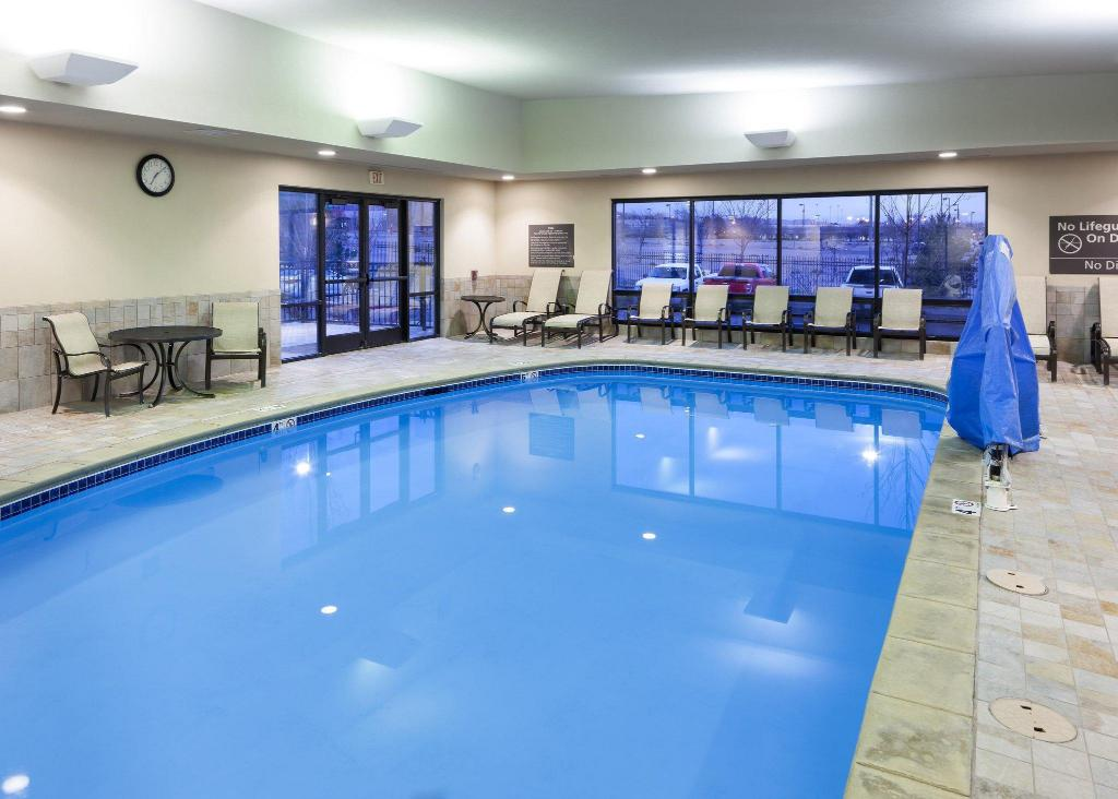 Swimming pool Hampton Inn & Suites Colorado Springs/I-25 South