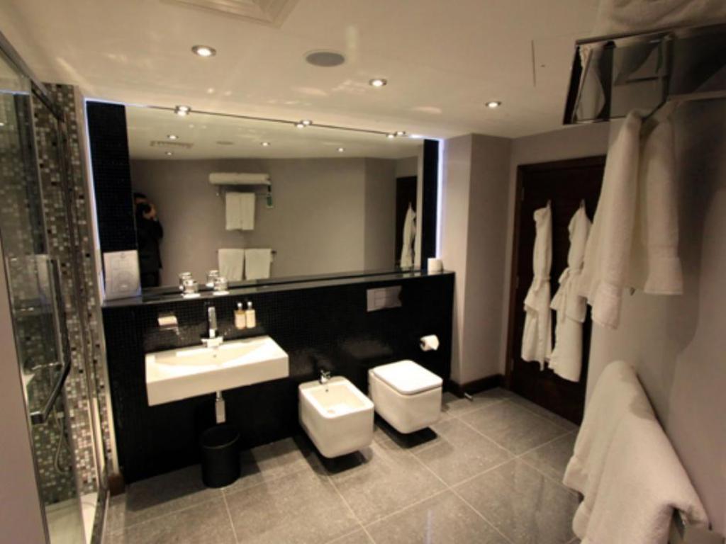Best price on rafayel hotel spa in london reviews for Hotel rafayel londres