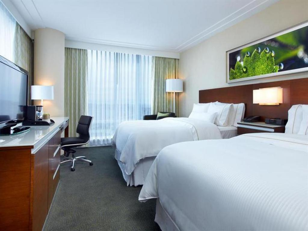 Traditional Two Queens - Guestroom The Westin Wall Centre Vancouver Airport