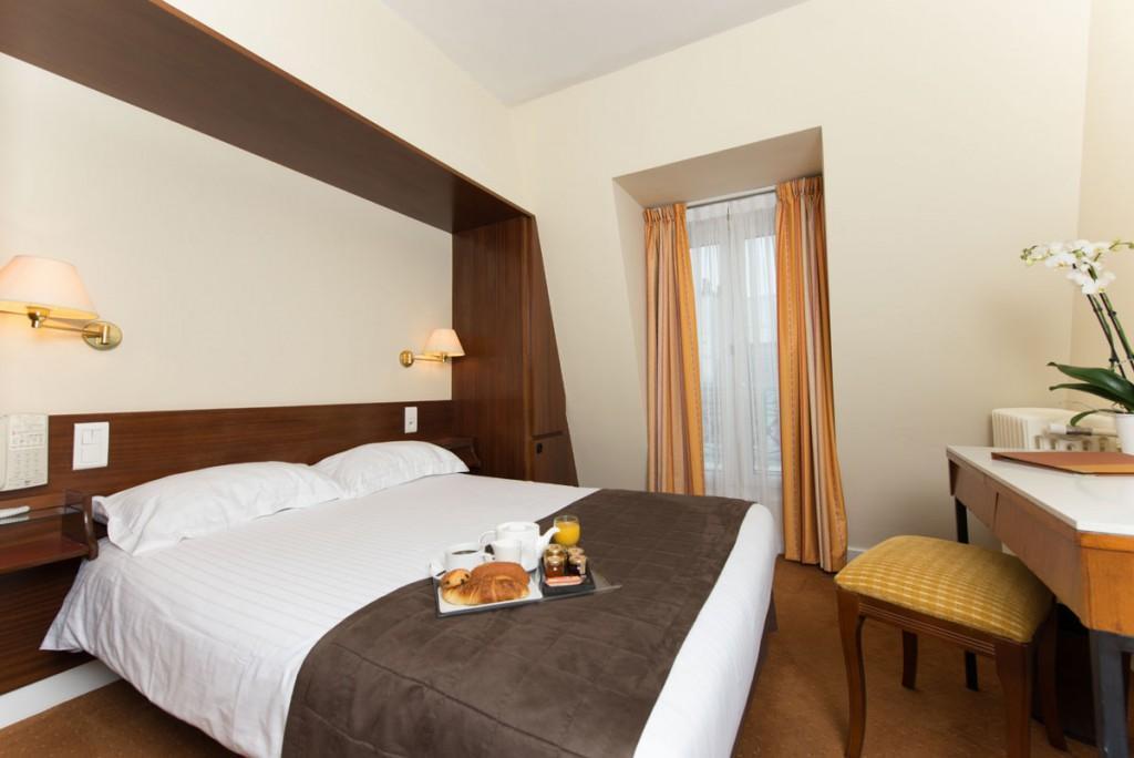 Best price on hotel du nord et de l 39 est in paris reviews for Decor hotel du nord