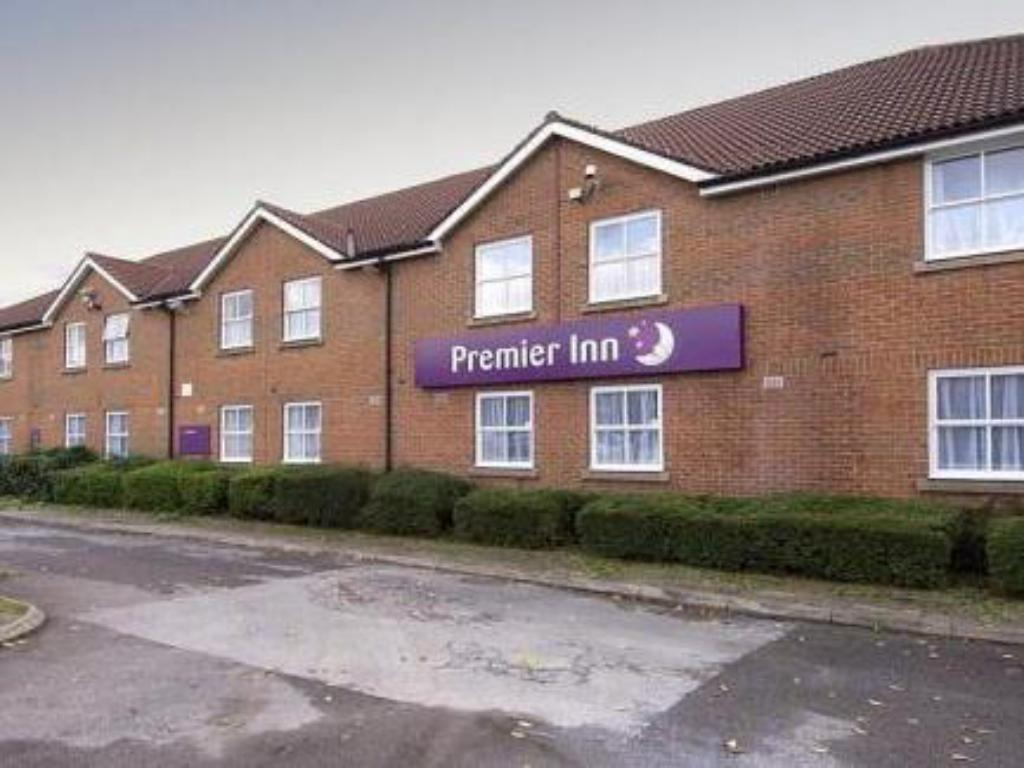 Best Price On Premier Inn Warrington A49 M62 J9 In