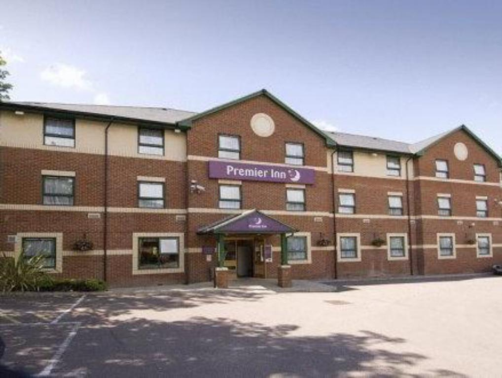 Vista Exterior Premier Inn Watford North