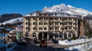 Grand Hotel Savoia Cortina d'Ampezzo, A Radisson Collection Hotel