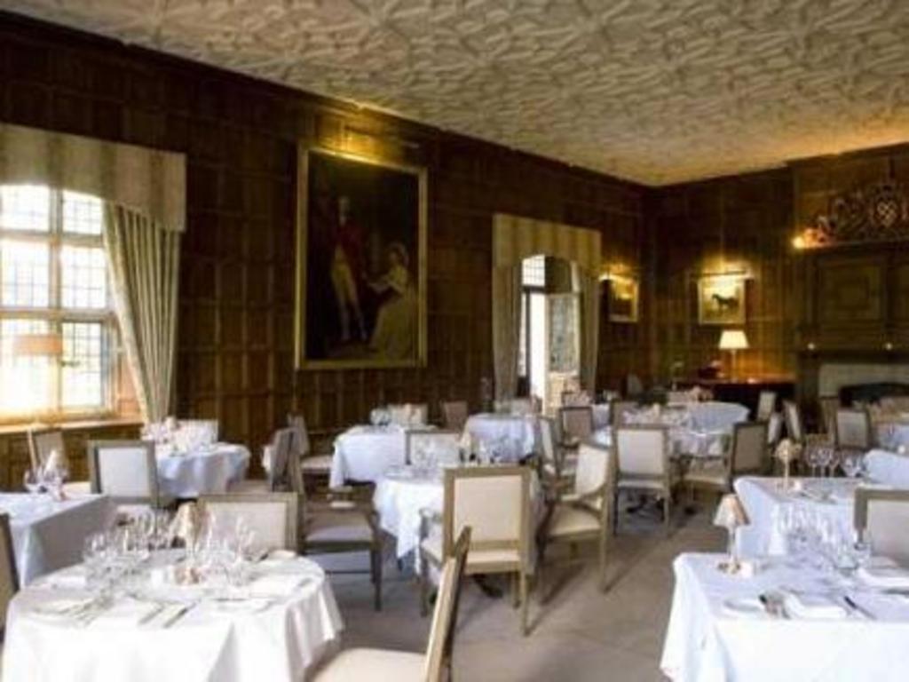 Das Waterford Castle Hotel & Golf Resort in Waterford buchen