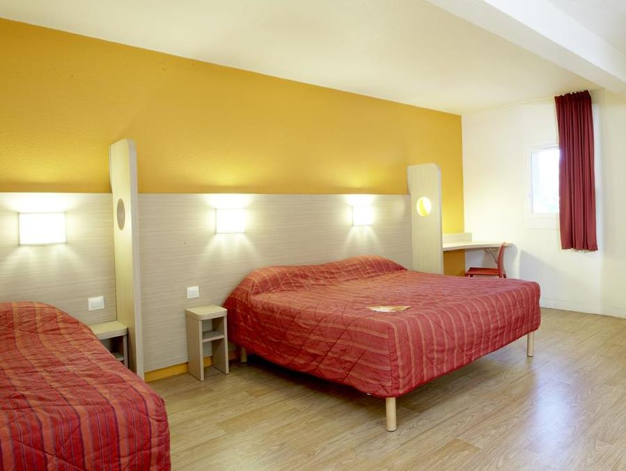 Habitación Triple (1 cama doble y 1 individual) (Triple Room (1 Double Bed + 1 Single Bed))