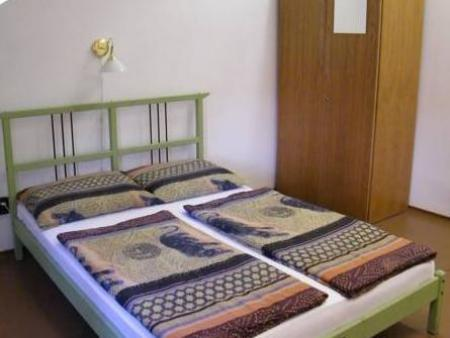 Katil Double Zrinyi Hostel