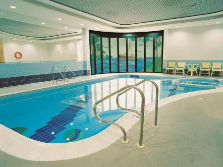 Swimming pool Number One Tower Suites Hotel