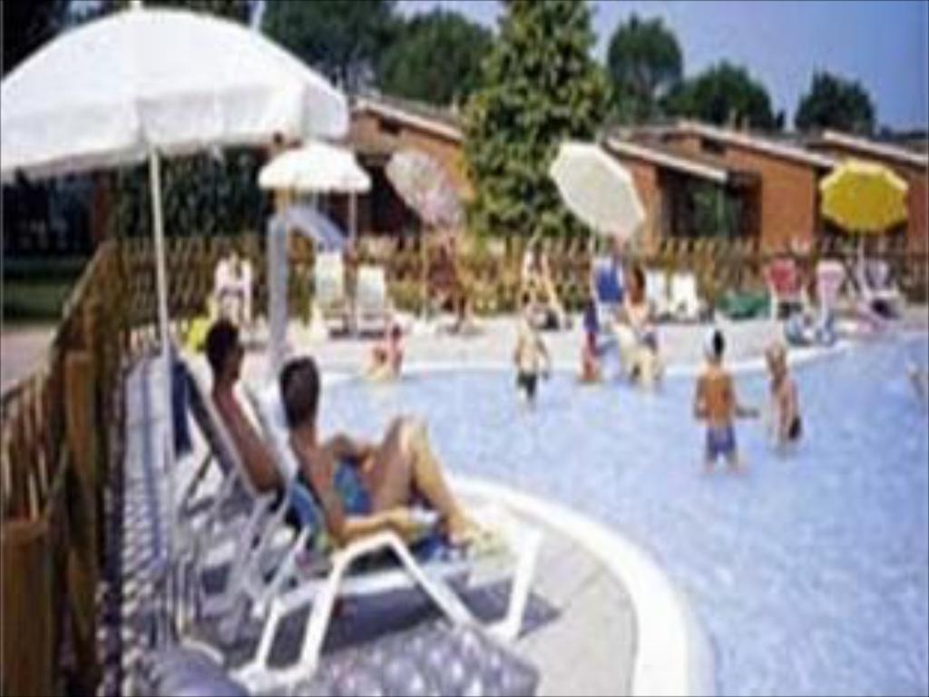 Piscina Del Garda Village and Camping