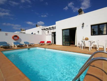Vila com 3 Quartos (Three-Bedroom Villa)