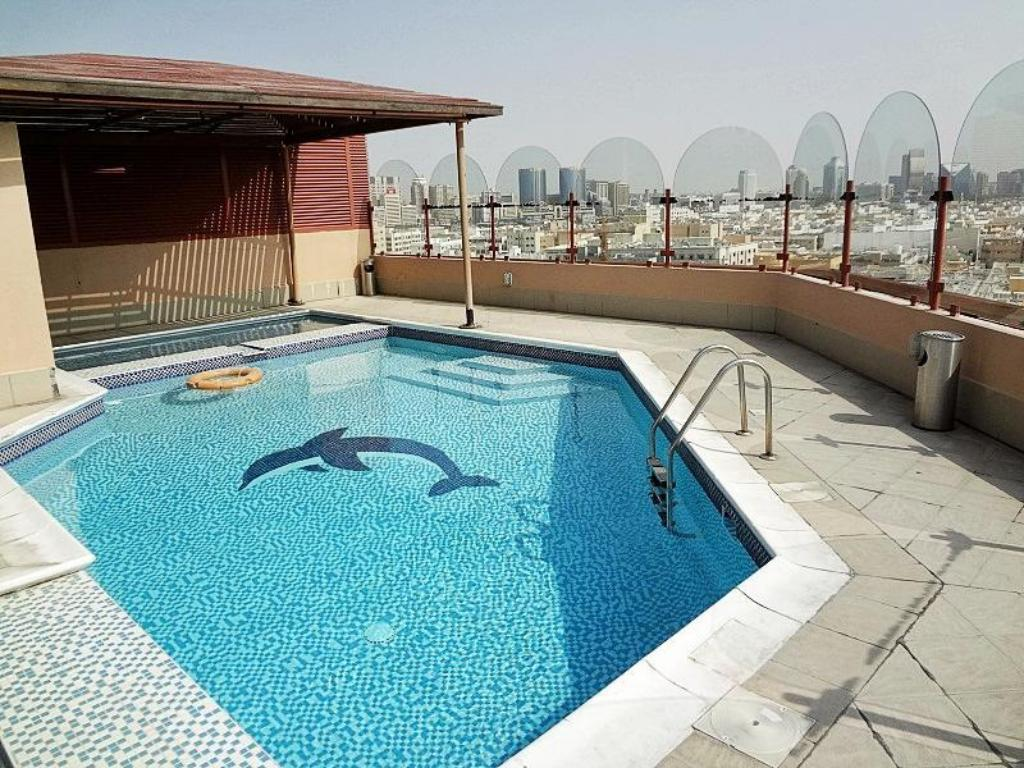 Swimming pool Dolphin Hotel Apartments