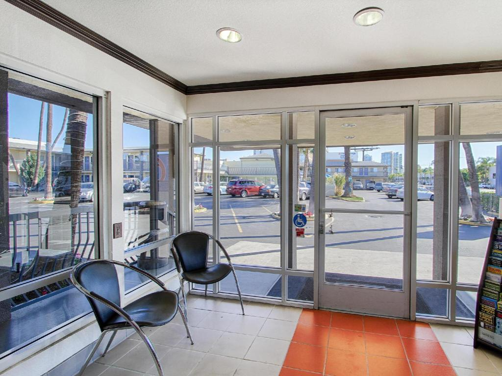 Interior view Motel 6 San Diego Airport/Harbor