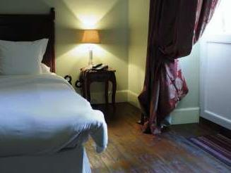Rouge Double Room
