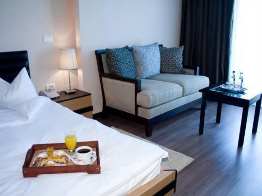 Single Room Phoenicia Express Hotel