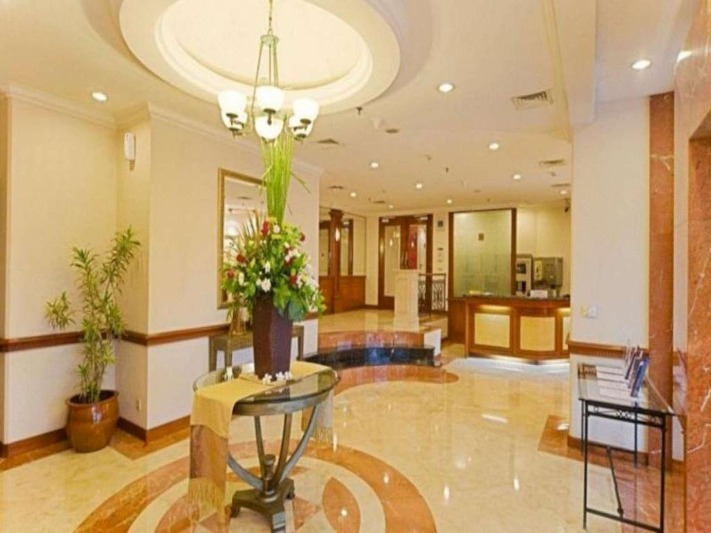 Фойє Puri Casablanca Suites Serviced Apartment