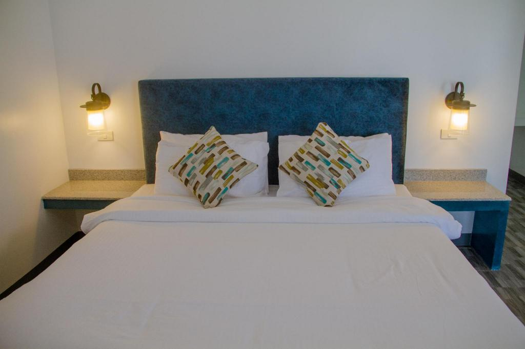 Executive Deluxe King with Sea View - Bed La Playa Estrella Beach Resort