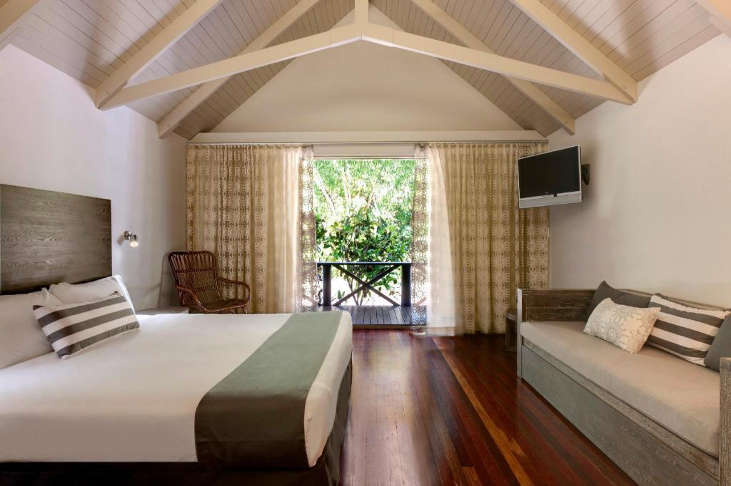 Hamilton Island Palm Bungalows in Whitsunday Islands - Room
