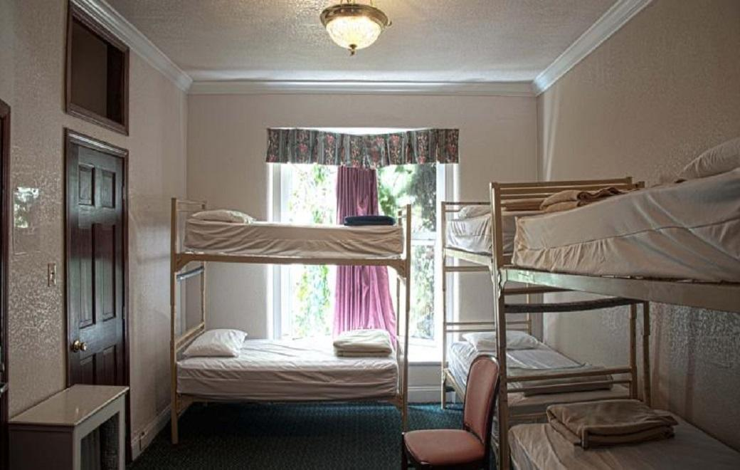 6 Bed (Female)