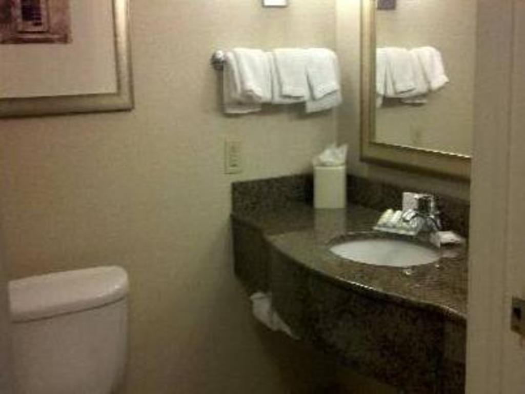 Hilton Garden Inn Albany-Suny Area in Albany (NY) - Room Deals ...