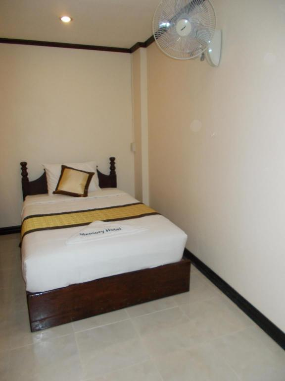 Deluxe Single Room Memory Hotel