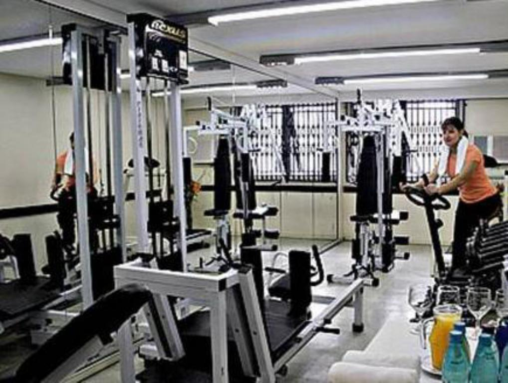 Fitness center Roochelle Corporate Hotel