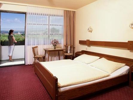 Hotel Burgenlanderhof M 246 Rbisch Am See 225 Rak 233 S 233 Rt 233 Kel 233 Sek