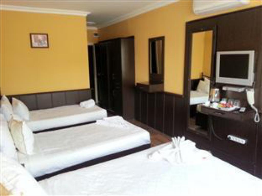 Triple Room - Guestroom Arasta Boutique Hotel