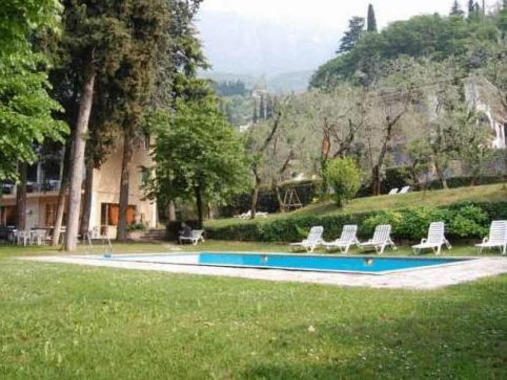 Hotel stella alpina in verona room deals photos reviews - Hotels in verona with swimming pool ...