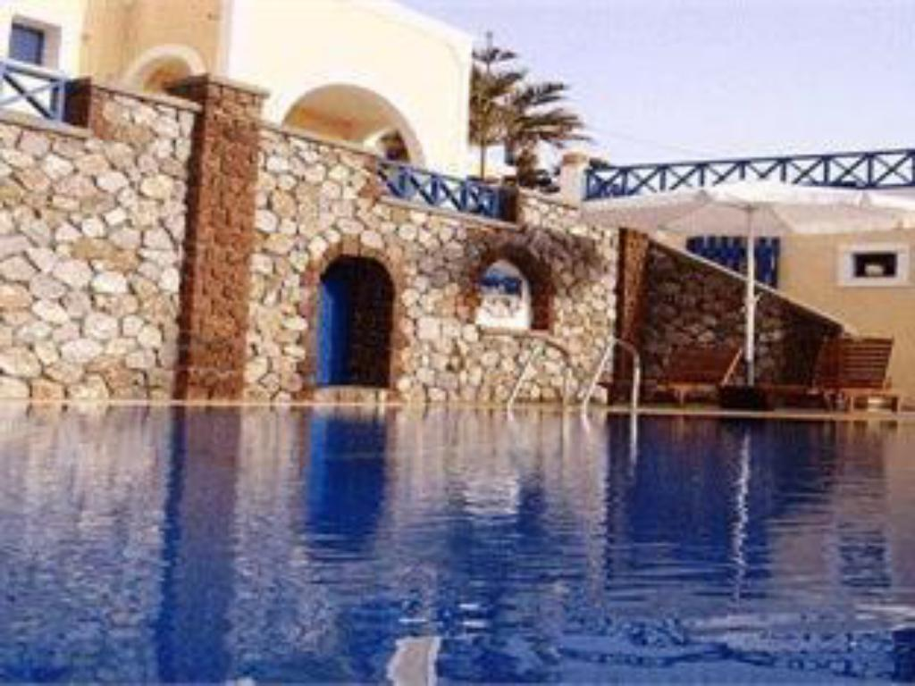 Swimming pool Hotel Thira