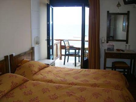 Quarto Twin com Sofá-cama e Vista Cidade (Twin Room with Sofa Bed & Town View)