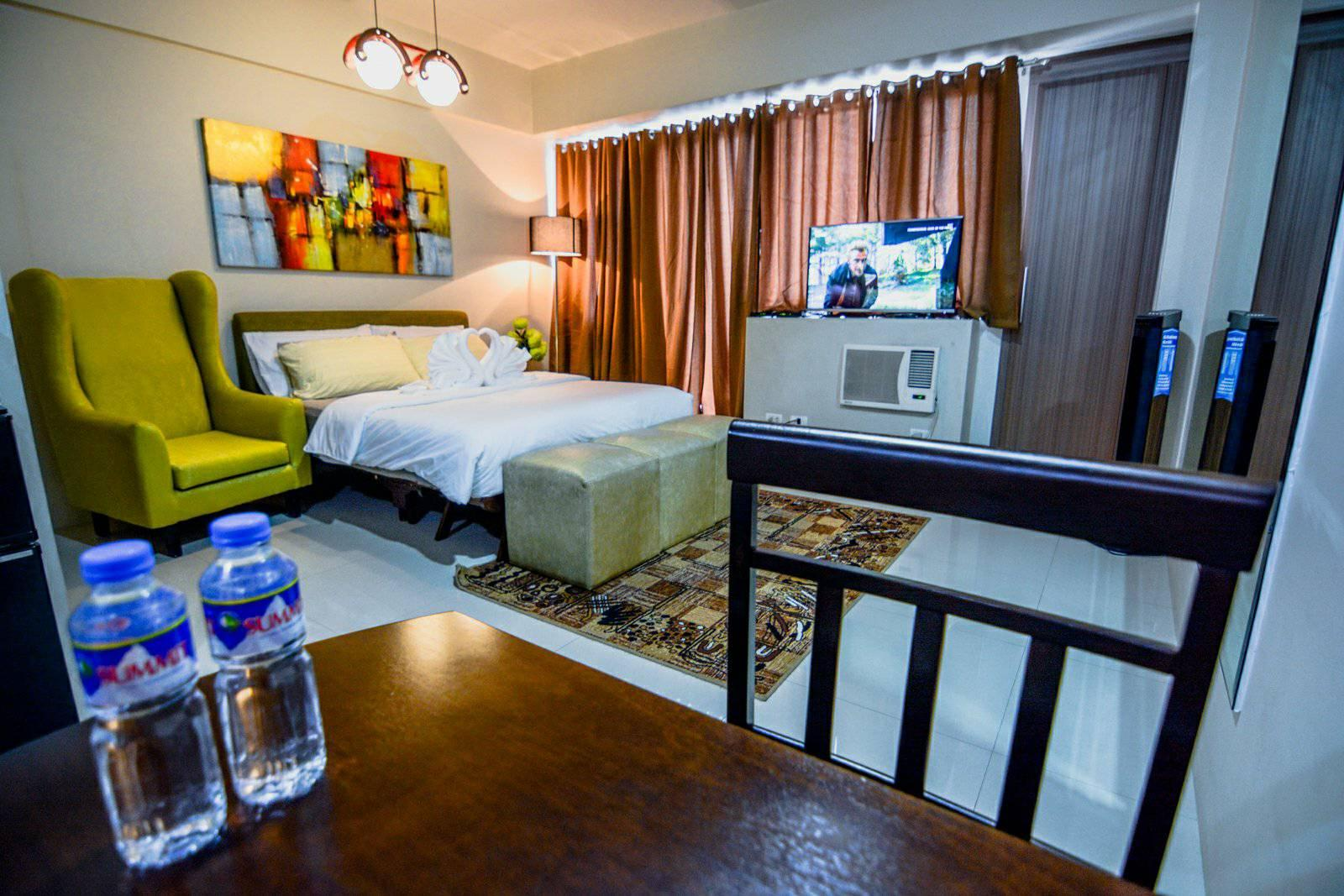 H M Management One Palm Tree Villas Manila Philippines Photos Room Rates Promotions
