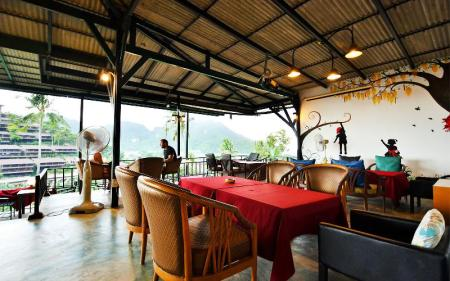 Interior view Phi Phi Arboreal Resort