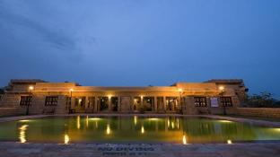 The Gateway Hotel Rawalkot