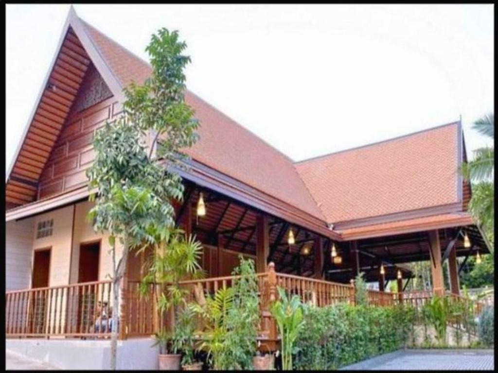 More about Inrawadee Resort