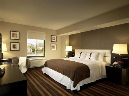 1 Bedroom Four Points by Sheraton Las Vegas East Flamingo