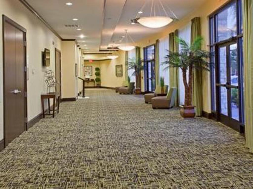 Интериор на хотела Holiday Inn Houston West Energy Corridor