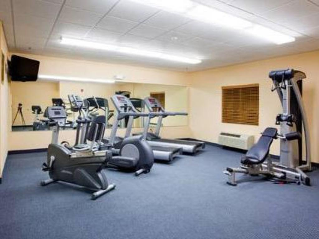 Fitness center Candlewood Suites New Bern