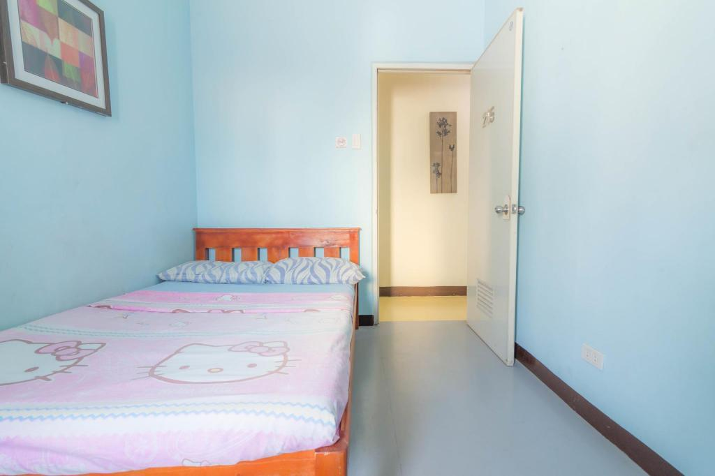 Single Cebu Guest House