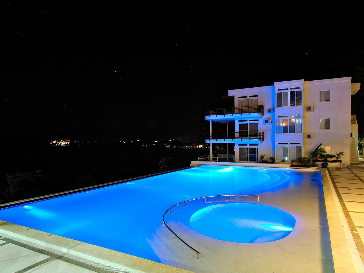 Penthouse, 4 Bedrooms (3 King, 2 Double)