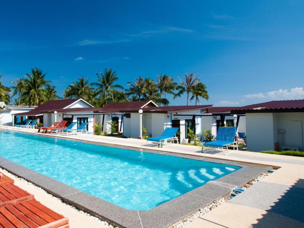 Power Beach Resort (The Relax Beach Resort)
